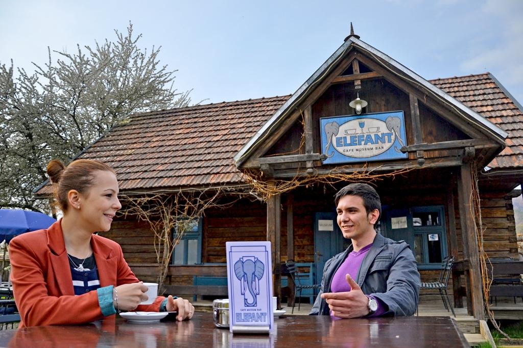 Mocanita - Valea Vaserului - Cafenea Muzeul Elefant
