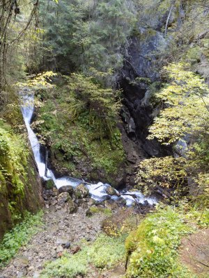 _13MN_img_07 Cascada si Ponorul de la Tau.jpg