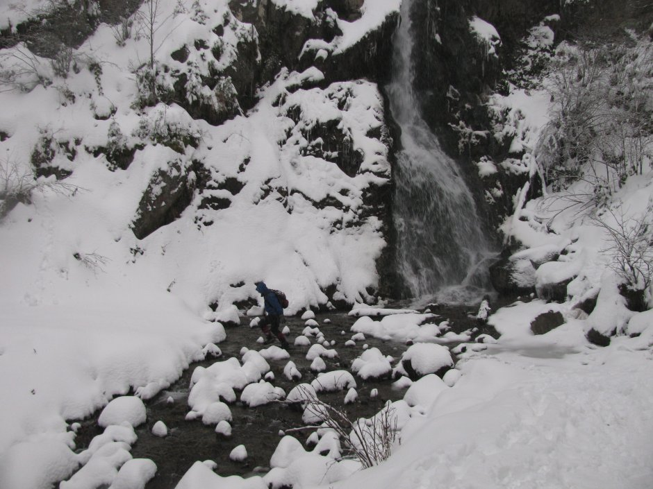 17mn img 62pg cascada varciorog iarna